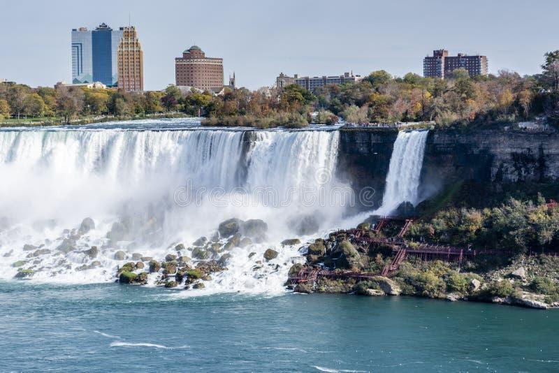 Sguardo di viaggio delle cascate di cascate del Niagara immagine stock libera da diritti