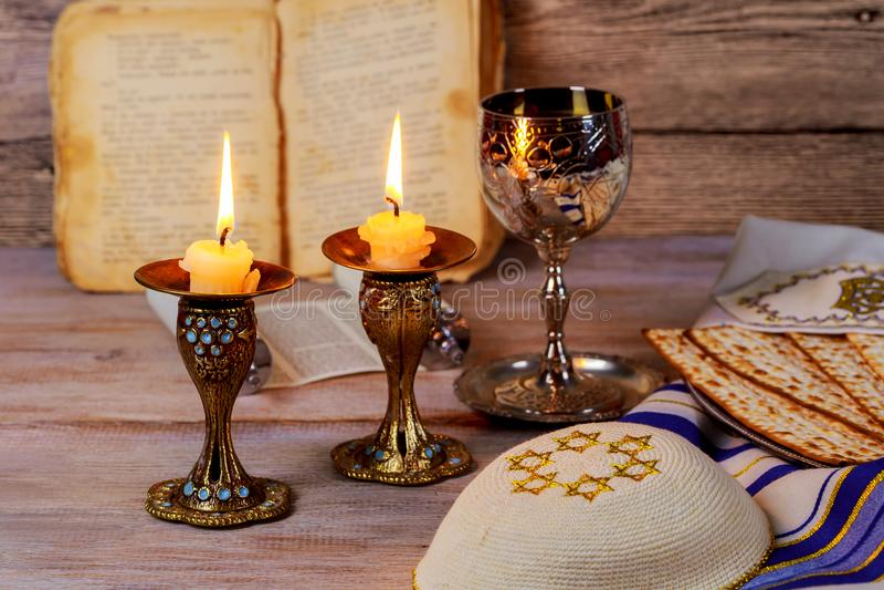 Shabbat Shalom - rituale ebreo tradizionale di sabato immagini stock libere da diritti