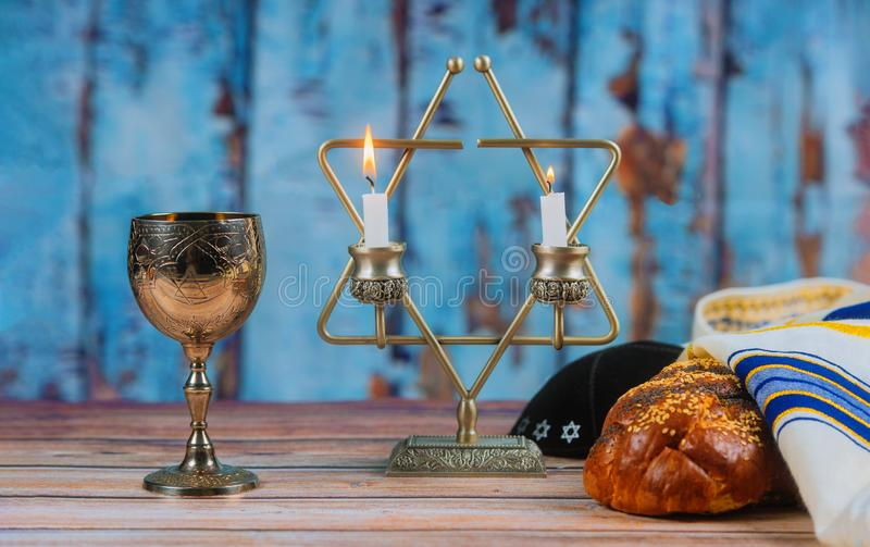 Shabbat Shalom - Tradycyjny Żydowski obrządkowy challah chleb fotografia stock