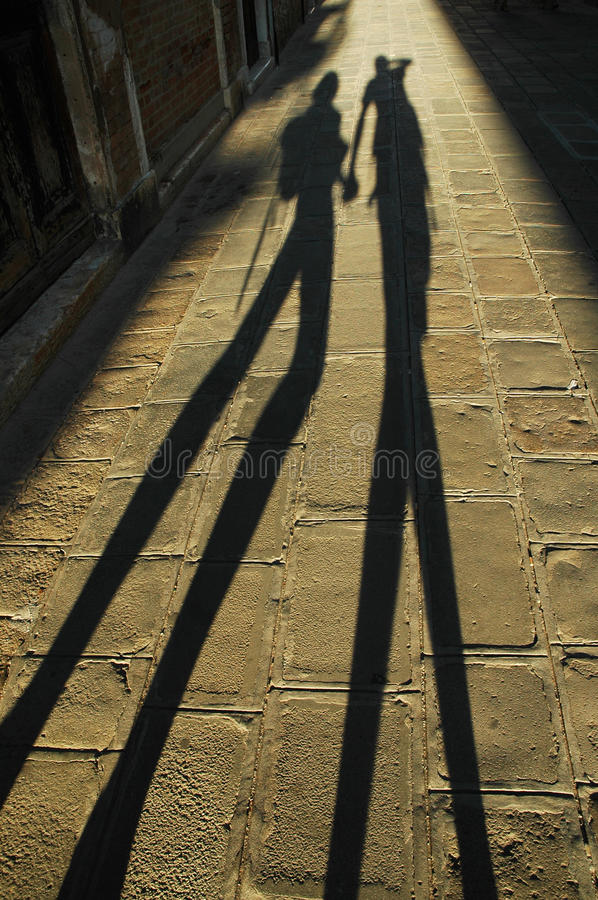 Free Shadow Of Walking Lovers Royalty Free Stock Image - 18132636