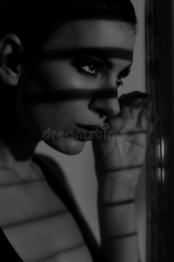 Free Shadows And Lines Of A Model In Monochrome Stock Photo - 37438300