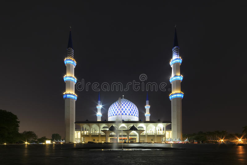 Shah Alam Mosque during night time royalty free stock photos