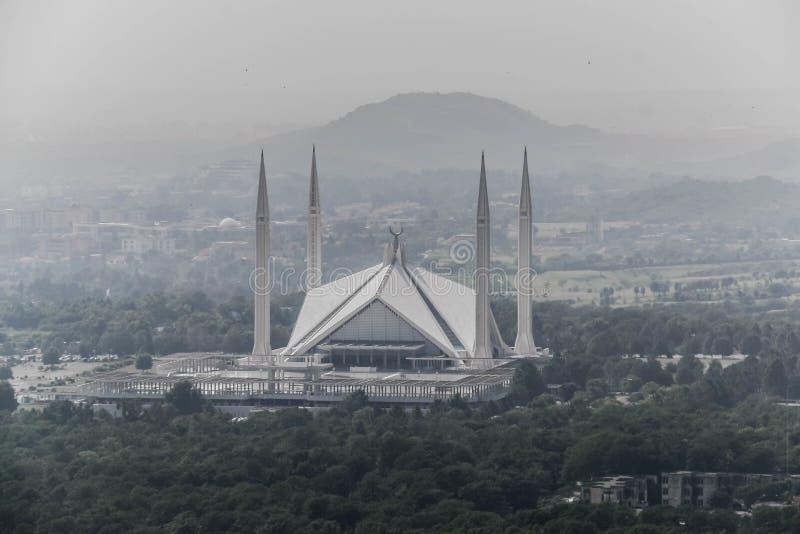 Shah Faisal meczet jest masjid w Islamabad, Pakistan Lokalizować na pogórzach Margalla wzgórza Wielki meczetowy projekt zdjęcie royalty free