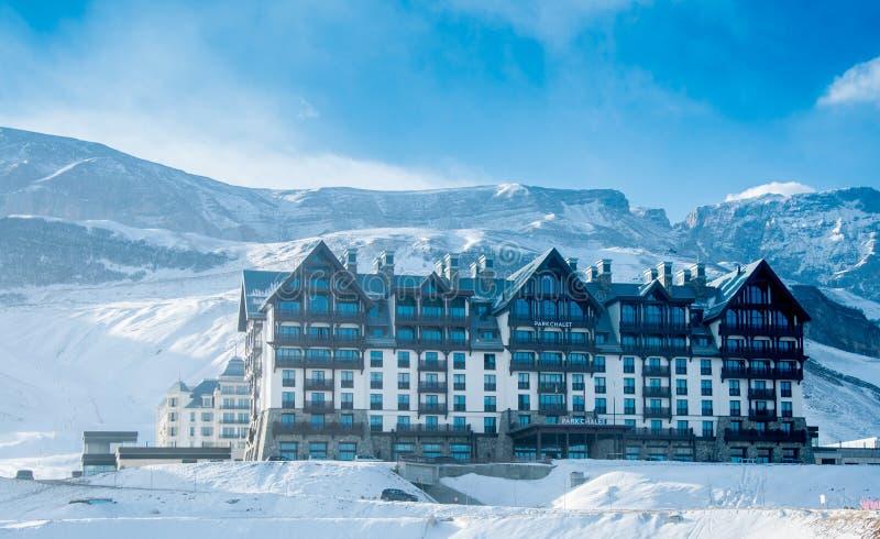 Shahdag - 8 février 2015 : Hôtels de touristes dessus photos libres de droits