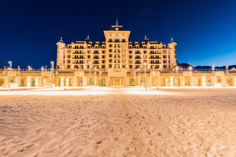 Shahdag - 27 FEBRUARI, 2015: Toeristenhotels  royalty-vrije stock fotografie