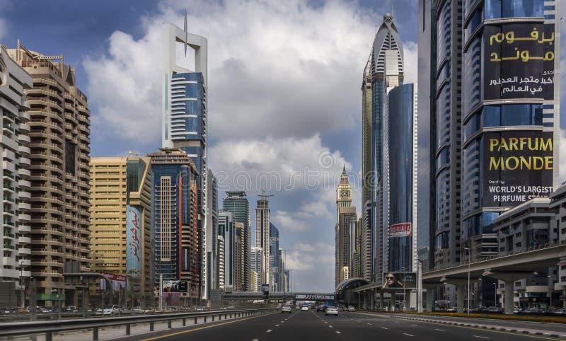 Shaikh Zayed Road - Doubai stock foto