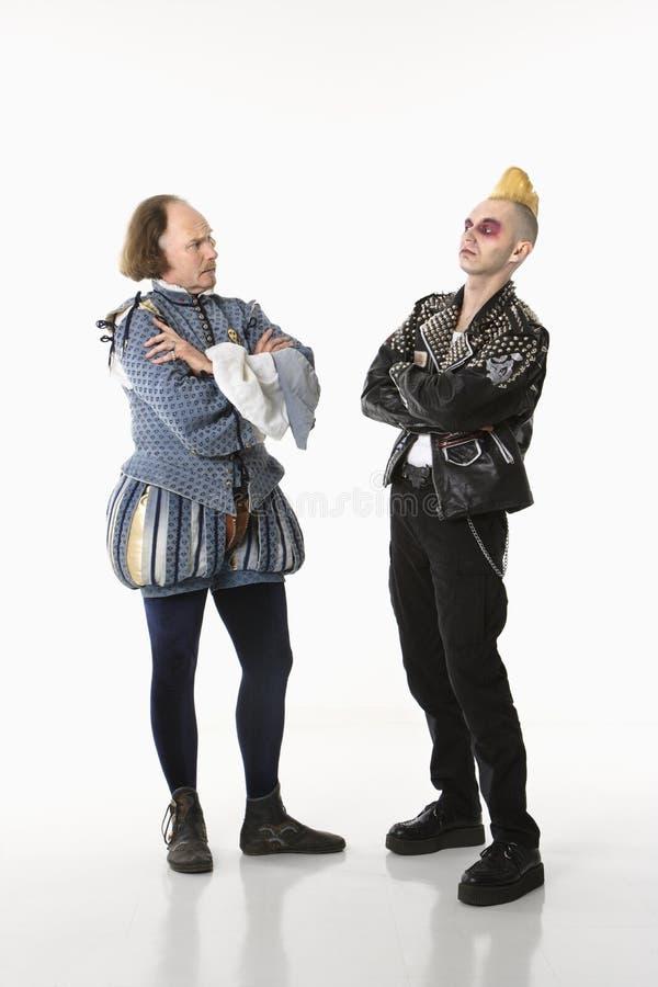 Shakespeare e homem do punk. fotografia de stock