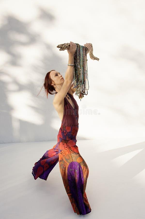 Shakti Mala Yoga Woman White Background imagen de archivo libre de regalías