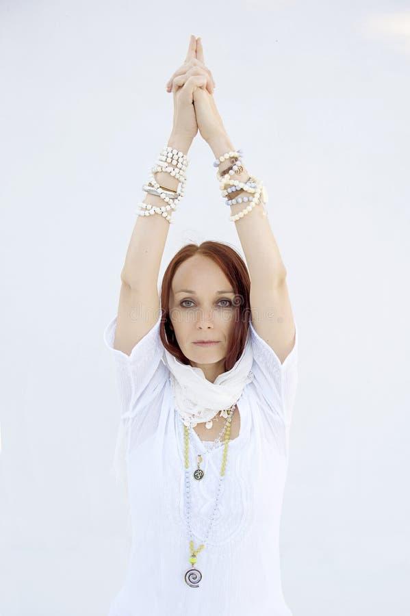 Shakti Yoga Woman White Background royalty-vrije stock fotografie