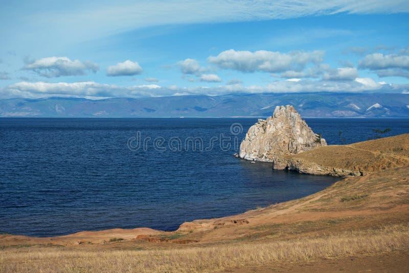 Shamanka Baikal στη λίμνη κοντά σε Khuzhir στο νησί Olkhon στη Σιβηρία, Ρωσία στοκ φωτογραφία