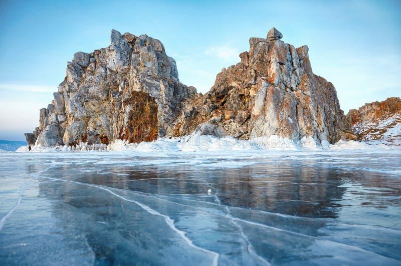 Shamanka zet op het meer van Baikal op stock afbeeldingen