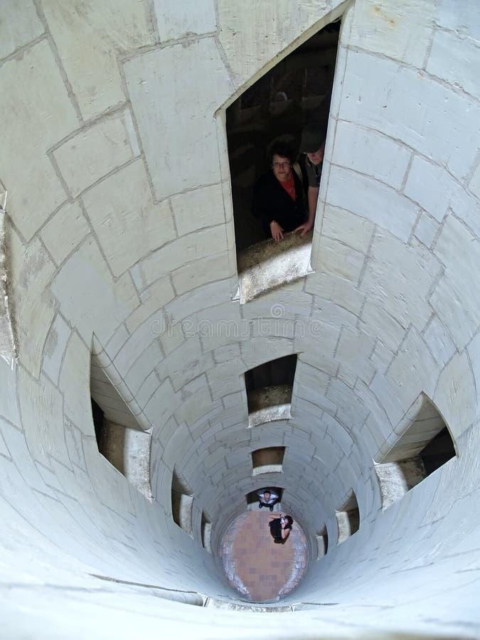 ShAMBOR, FRANCIA La escalera en la cerradura ejecutada según los dibujos de Leonardo da Vinci fotos de archivo libres de regalías