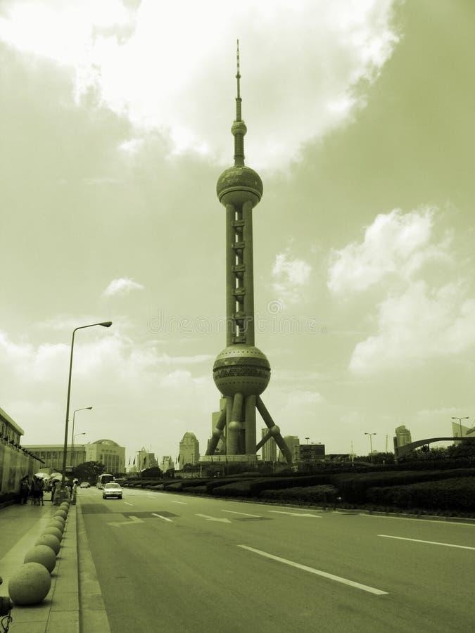 Download Shangai céntrica foto de archivo. Imagen de edificio, calle - 1299082