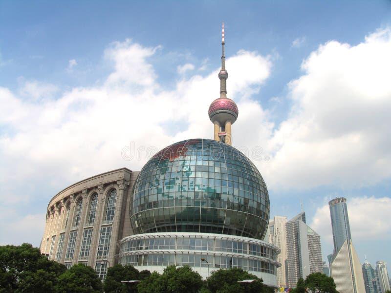 Download Shangai céntrica foto de archivo. Imagen de ciudad, cielo - 1299564
