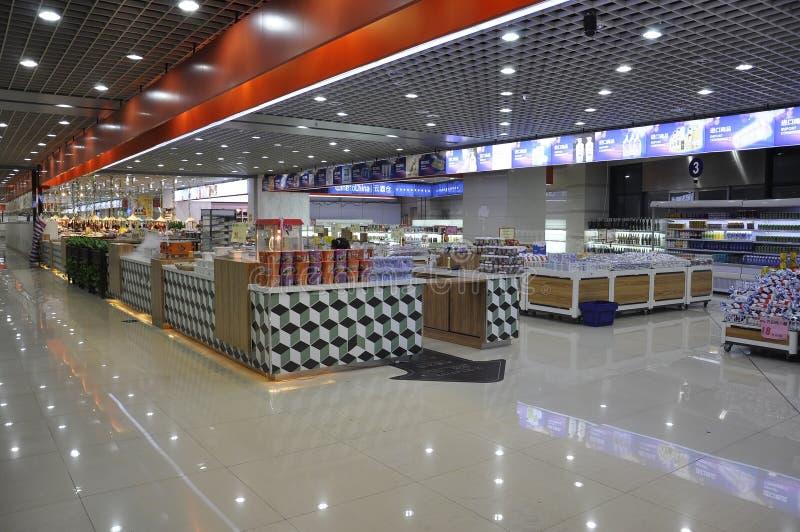 Shangai, 2da puede: Interior chino del supermercado en Shangai foto de archivo libre de regalías