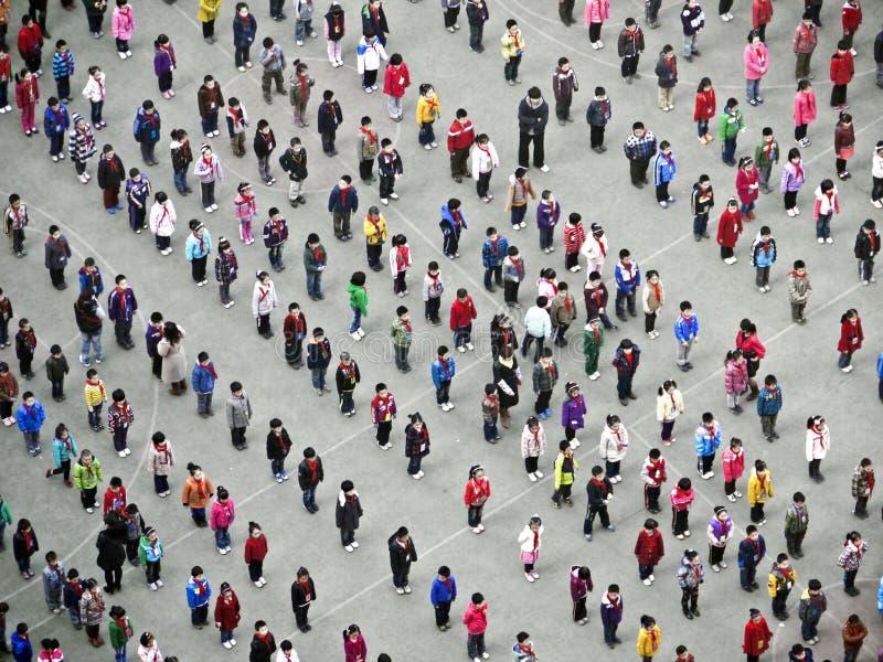 Gente que hace Taiji Quan por la mañana foto de archivo