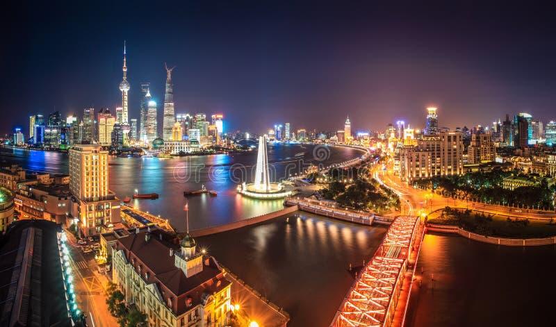 Shangai en la noche fotografía de archivo libre de regalías