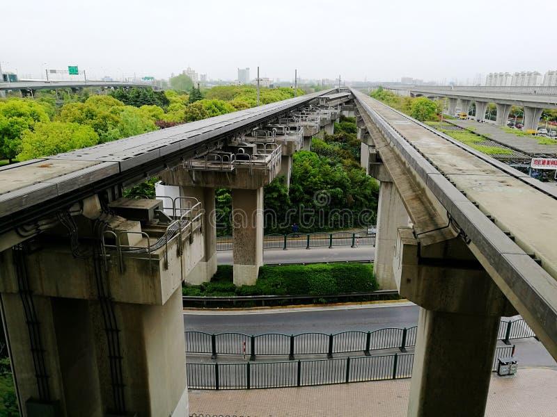 Shangai Maglev y pistas del transporte fotos de archivo