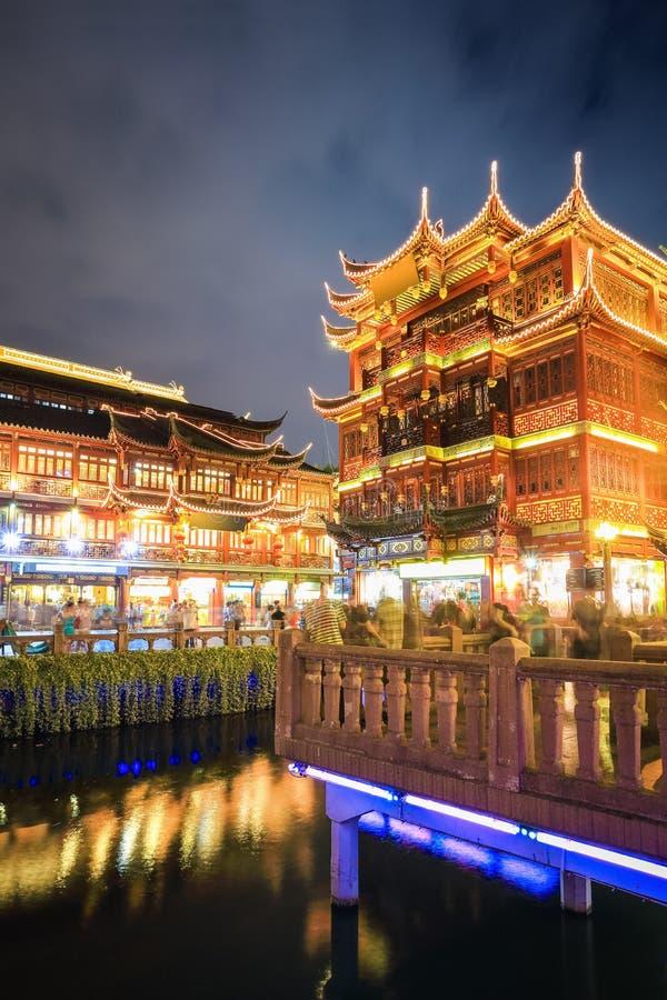 Shangai yuyuan en la noche imágenes de archivo libres de regalías