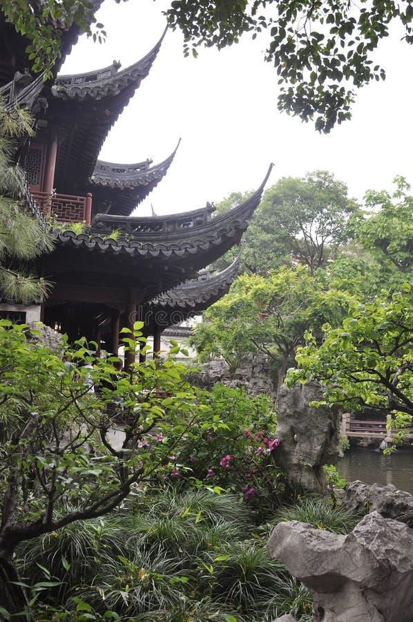 Shanghai, ò pode: Paisagem pitoresca do jardim famoso de Yu na baixa de Shanghai fotografia de stock