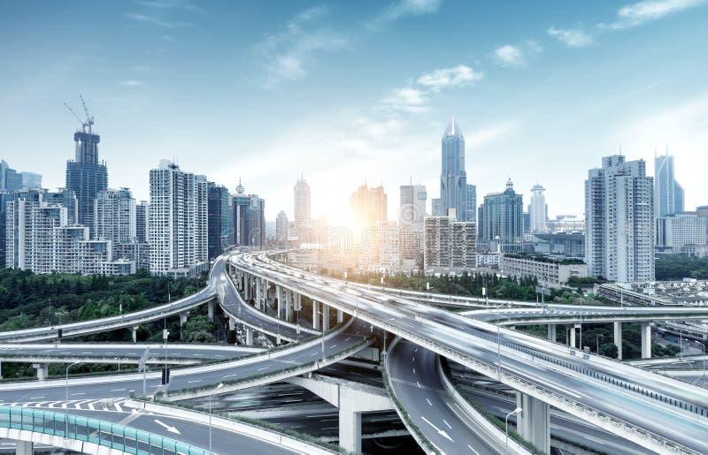 Shanghai, de weg van China en viaduct stock afbeelding