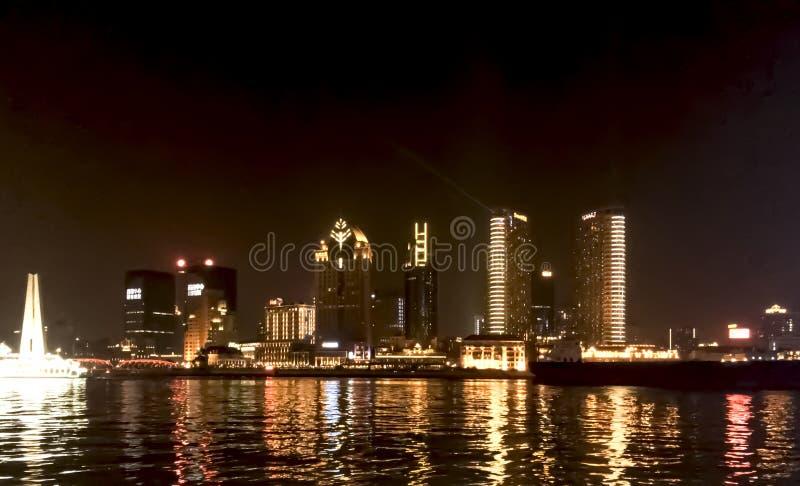 Shanghai kryssning på natten royaltyfria foton
