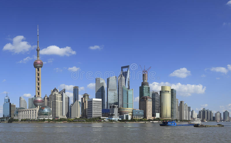 Shanghai landmarkhorisont royaltyfri foto