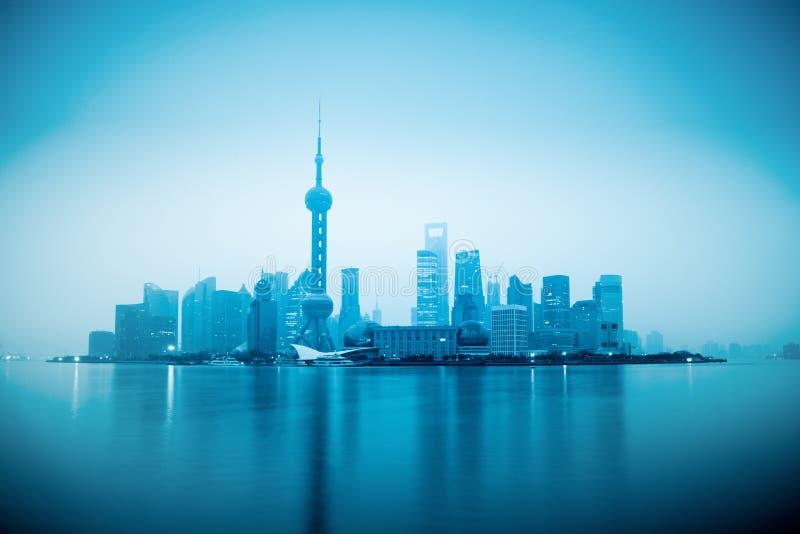 Shanghai met zonsopgang royalty-vrije stock afbeeldingen