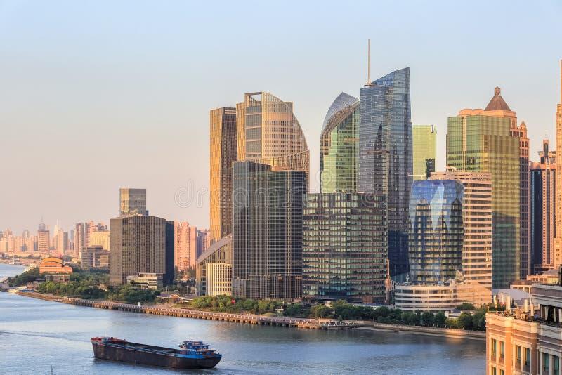 Shanghai modern byggnadshorisont arkivbild