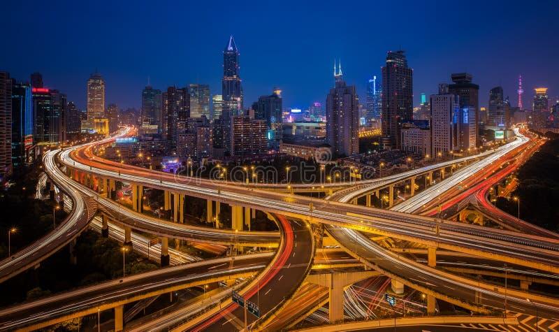 Shanghai opgeheven wegverbinding stock afbeeldingen