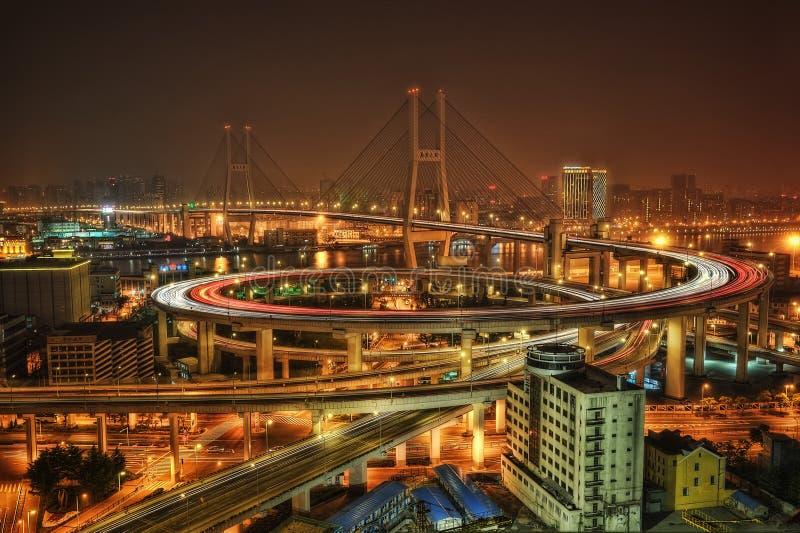 Shanghai-Skyline Nanpu-Brücke stockfotografie