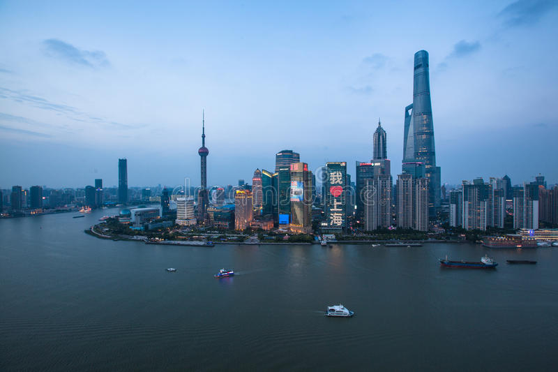 Shanghai-Sonnenaufgang lizenzfreie stockfotografie