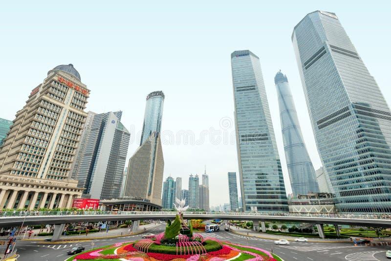 Shanghai stadsgränsmärke royaltyfria bilder