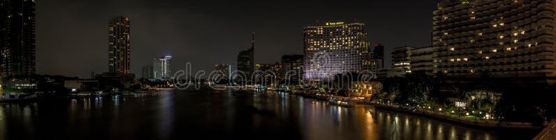 Shangri la旅馆视图Jaopraya河 免版税库存照片