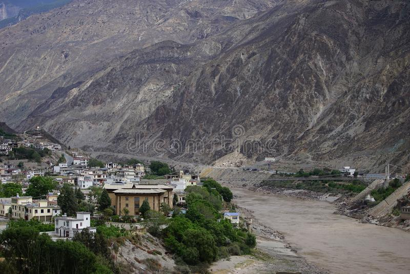 Shangri-La - der Fluss Jinsha lizenzfreie stockfotos