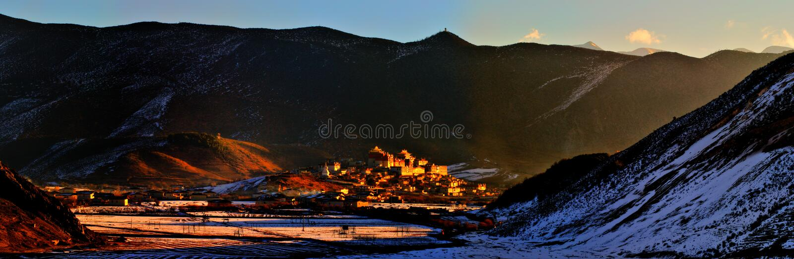Shangri-La - Gedan Songzanlinsi. Buddhist holy places under the sun - Shangri-La royalty free stock images