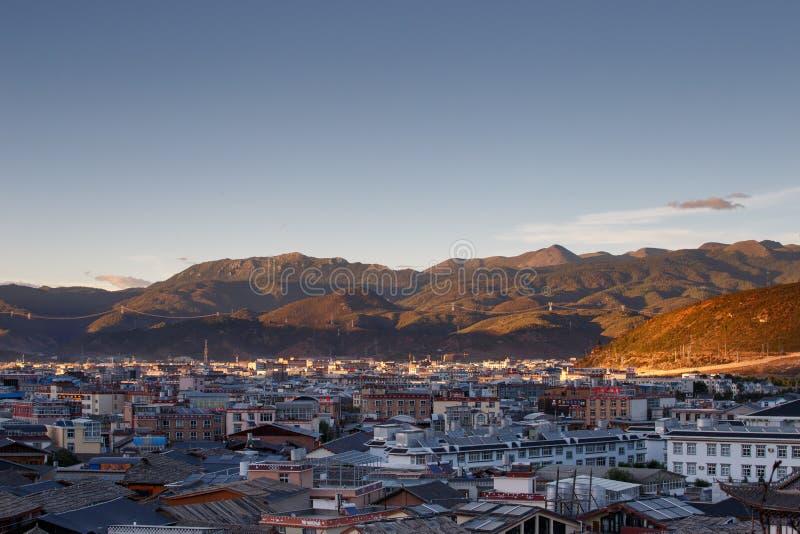 Download Shangrila, Il Yunnan, La Cina Ed Il Posto Vicino Immagine Stock Editoriale - Immagine di monastery, limite: 56883349