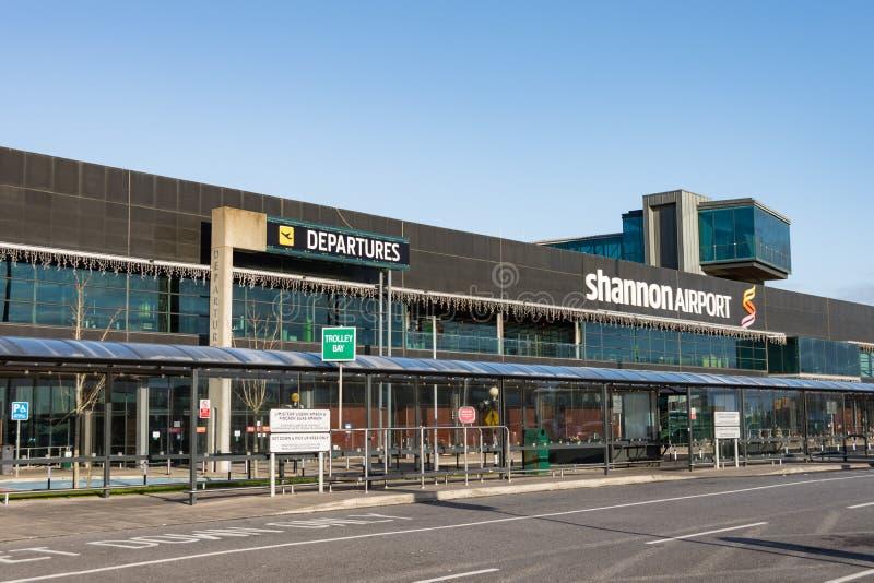 Shannon Airport, Irlanda - 27 de diciembre de 2016: Shannon Airport es 2do aeropuerto más grande de Irelands del condado Clare de fotografía de archivo libre de regalías