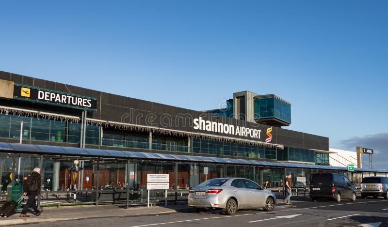 Shannon lotnisko Irlandia, Grudzień, - 27th 2016: Shannon lotnisko jest Irelands 2nd wielkim lotniskiem w Irlandia okręgu adminis zdjęcia royalty free