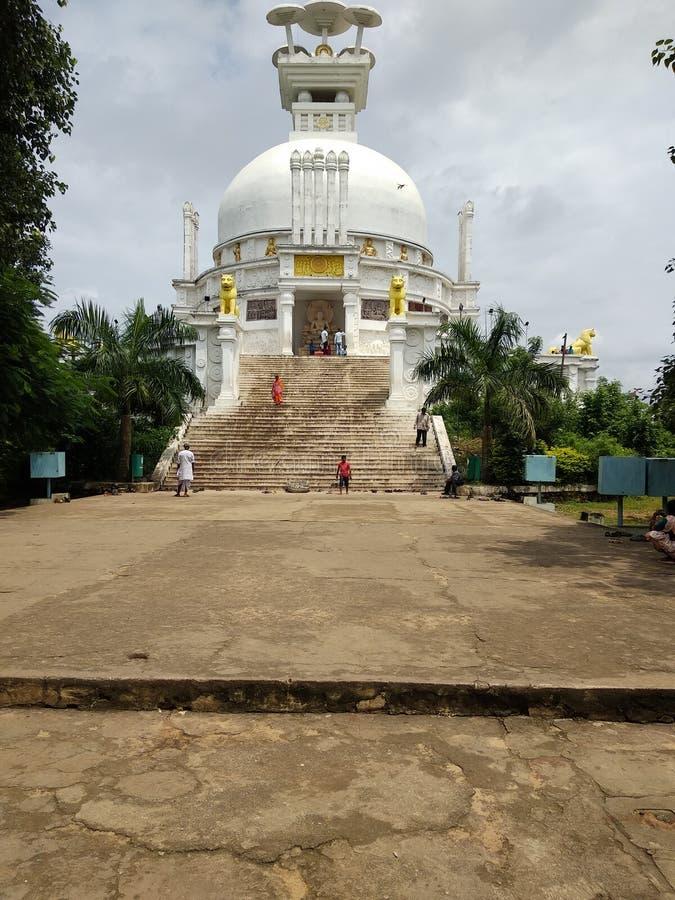 Shanti Stupa在布巴内斯瓦尔 免版税库存照片