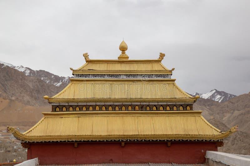 Shanti Stupa é um stupa branco-abobadado budista chorten fotografia de stock royalty free