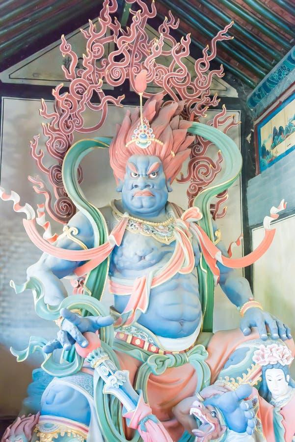 SHANXI, CHINA - Sept 25 2015: Estátuas de Budda no templo de Huayan A fotos de stock