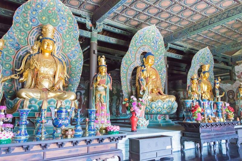 SHANXI, CHINA - Sept 25 2015: Estátuas de Budda no templo de Huayan A imagens de stock royalty free