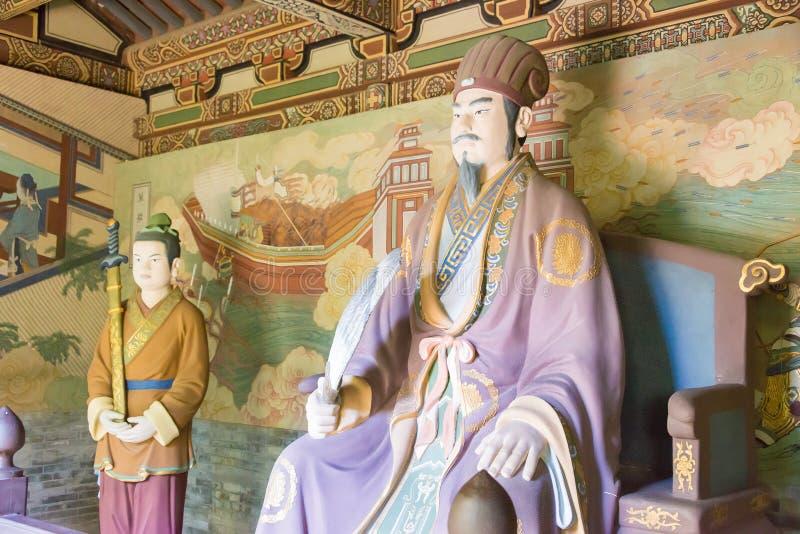 SHANXI, CHINA - 17 Sept. 2015: Zhuge Liang Statue bij Guandi-Temperaturen stock afbeeldingen