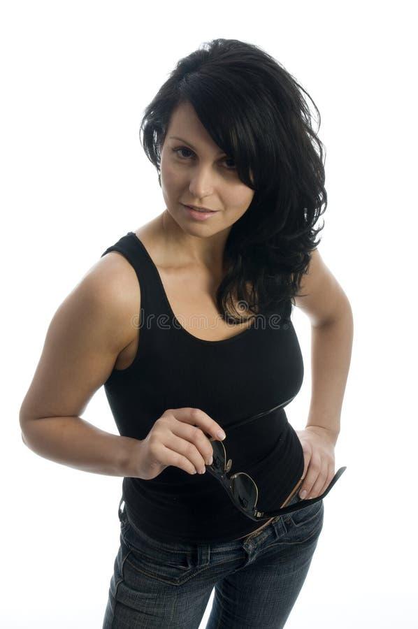 Shapely recht junge Frau, die mit Fluglage lächelt lizenzfreies stockfoto