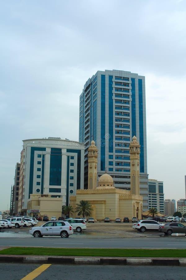Sharjah, Verenigde Arabische Emiraten: Al Ekhlas Mosque, Al Khan stock fotografie