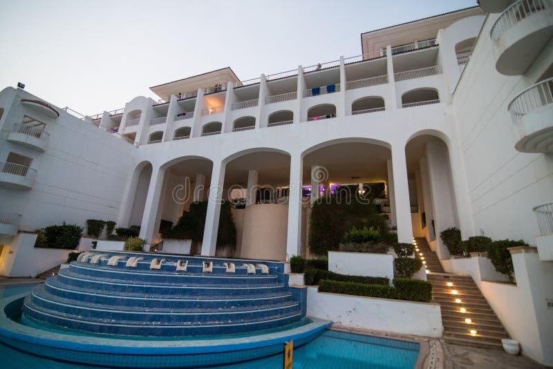 Sharm el Sheikh, Ägypten - April 2018: Gebiet des Hotels im Sharm el Sheikh von Ägypten stockfoto