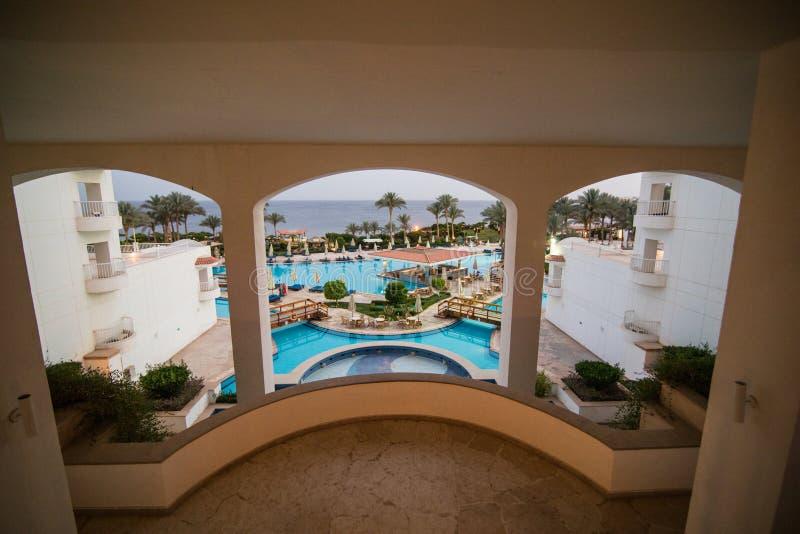 Sharm el Sheikh, Ägypten - April 2018: Gebiet des Hotels im Sharm el Sheikh von Ägypten lizenzfreie stockbilder