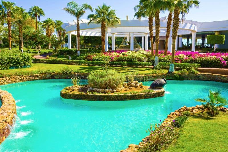Sharm el Sheikh, Egito - 26 de setembro de 2017: Construções e hotel Monter Carlo Resort Sharm El Sheikh da área imagem de stock