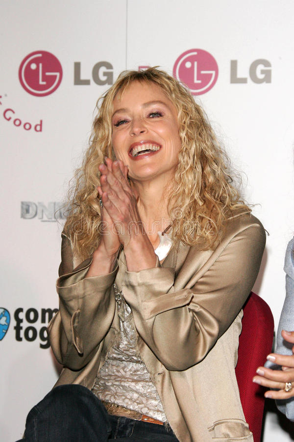 Download Sharon Stone redaktionell bild. Bild av katrina, enkelt - 37345036